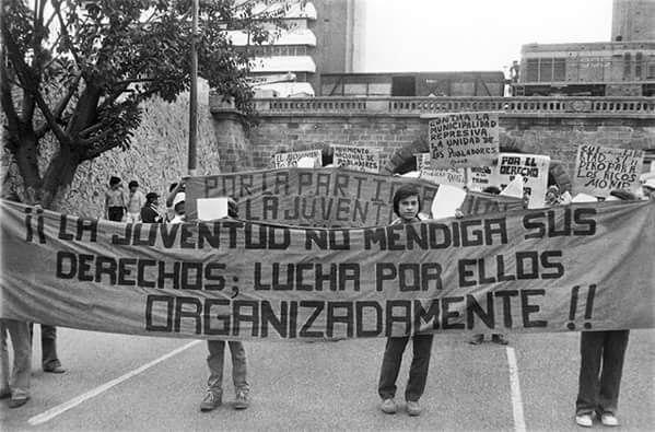 Protesta: ¡¡La juventud no mendiga sus derechos; lucha por ellos organizadamente!!